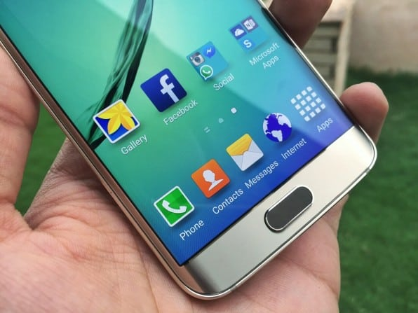 The 577 ppi makes S6 Edge's display the sharpest in the market