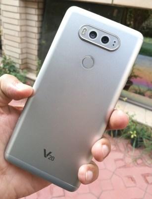 LG V20 Review: Back