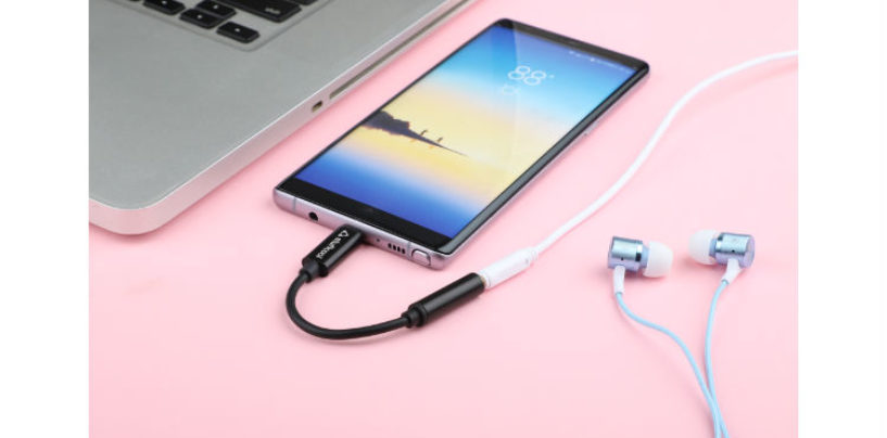 Stuffcool Introduces USB C to 3.5mm aux digital audio adapter